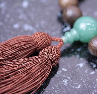 男性用数珠(京念珠)神代杉・翡翠仕立の通販・販売
