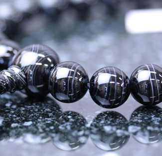 黒性用数珠(京念珠)赤縞瑪瑙共仕立の通販・販売